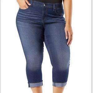 👗 Levis 14 Capri Jeans dark wash w/ Folded Cuff
